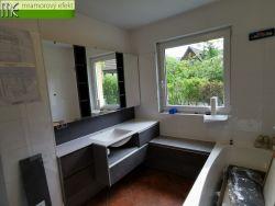 Koupelna klienta v Salzburgu se pomalu rýsuje